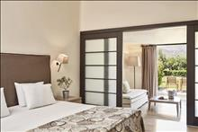 Minos Palace Hotel & Suites: Junior Lower Deck