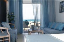 Pilot Beach Resort & Spa Hotel: Beach Front Junior Suite