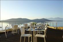 Elounda Blu Hotel: Main Restaurant Exterior