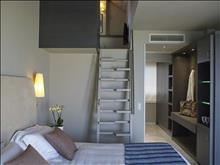 Kyma Suites Beach Hotel: Deluxe Suite