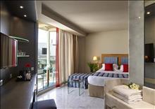 Kyma Suites Beach Hotel: Superior Room