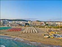 Kyma Suites Beach Hotel: Beach of Kriti hotel