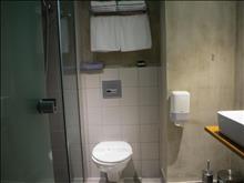 Metropolitan Hotel: Bathroom in Classic Room