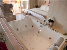 Bomo Litohoro Olympus Resort Villas & Spa: Junior Suite