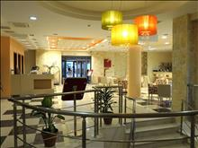 Imperial Hotel: Reception and lobby area