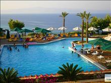 Aristoteles Beach Hotel : Swimming pool