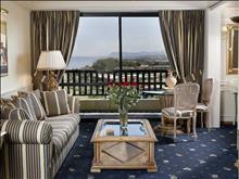 Aquila Rithymna Beach Hotel: Living Room