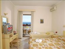 Calypso Hotel: Triple Room