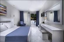 Porfi Beach Hotel: Standard Double