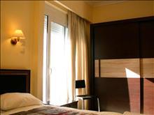 Petit Palais Hotel